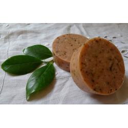 Savon naturel Bois de cèdre et feuilles de thé.