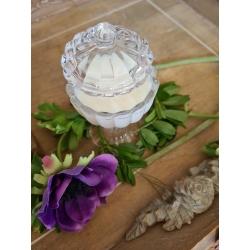 Bougie artisanale parfumée dans sa verrerie boite à bijoux réutilisable ou rechargeable
